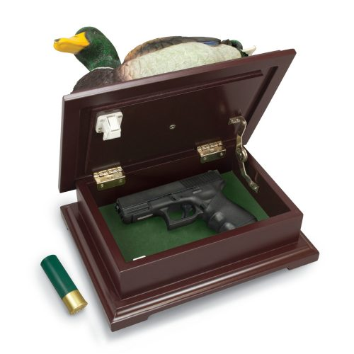 Hides your valuables in hunting lodge style